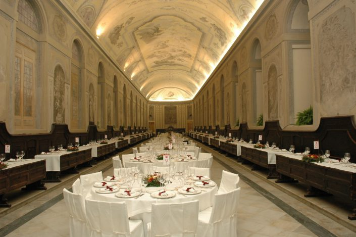 NAPOLI, SANTA CHIARA - GALA DINNER in refectory (Cirio)